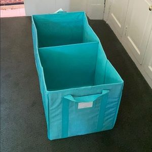 Thirty-one Utility Bin, Turquoise Cross POP